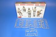 U.S. Ammo loading tank crew_01